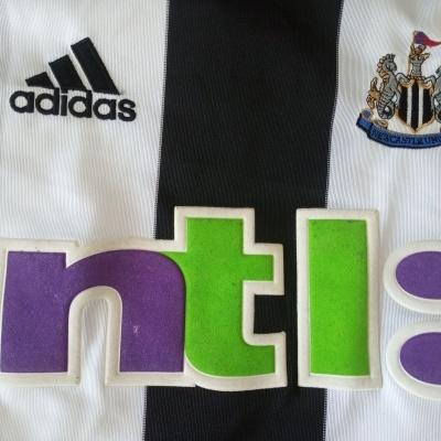 "Newcastle United Home Shirt 2001-2003 (L) ""Very Good"""