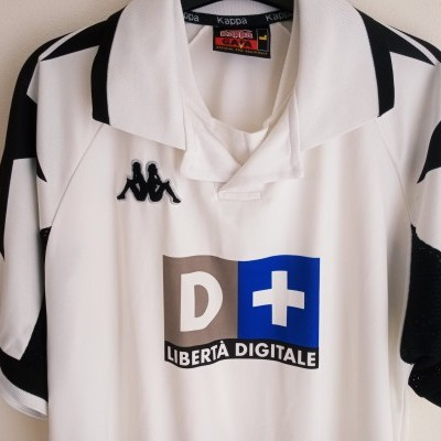"Juventus Away Shirt 1998-1999 (L) ""Good"""