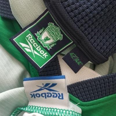 "Liverpool FC Away Shirt 1999-2001 (L) ""Average"""