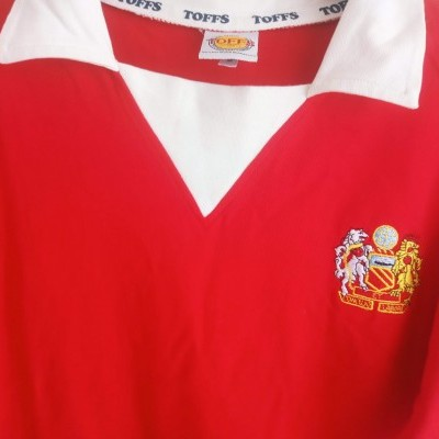 "Retro Manchester United Home Shirt 1970s (S) ""Very Good"""