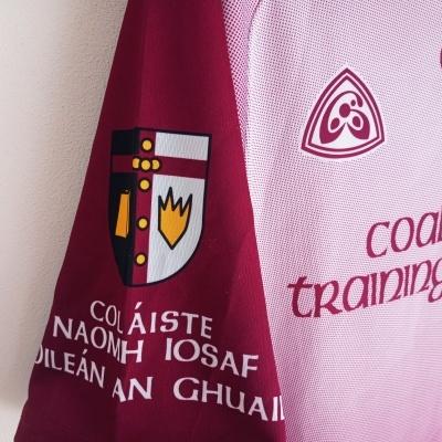 "Matchworn Colaiste Naomh Iosaf GAA Gaelic Shirt (Womens) ""Very Good"""