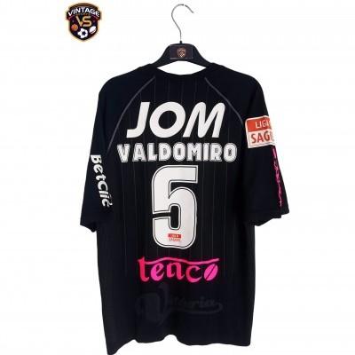 "Matchworn Vitoria Guimarães Away Shirt 2009 #5 Valdomiro (XL) ""Very Good"""