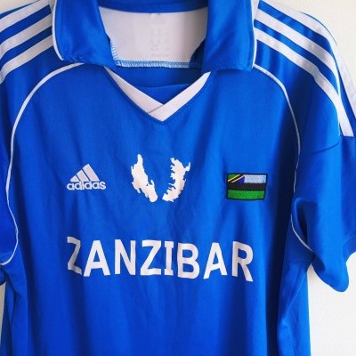 "Zanzibar Home Shirt (L) ""Very Good"""