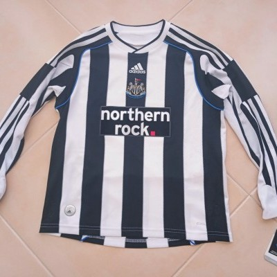 NEW Newcastle United Home Shirt 2009-2010 (S Youths)