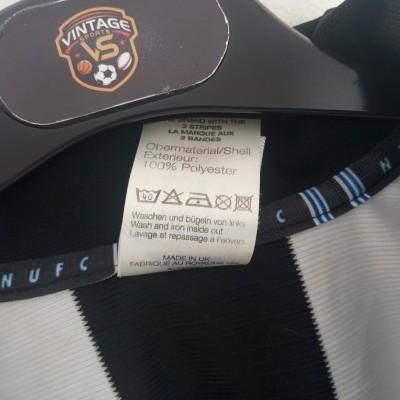 "Newcastle United Long Sleeve Home Shirt 2000-2001 (L) ""Very Good"""