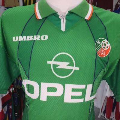 Republic of Ireland Home Shirt 1994-96 (L)