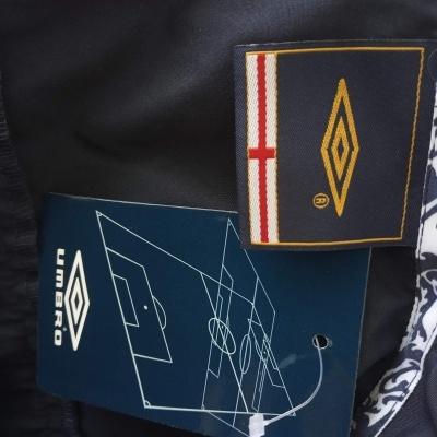 NEW England Windbreaker Jacket (L)