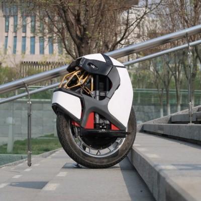 KingSong Monociclo KS-S18 branco - final Setembro (Velocidade máxima: 50 km/h | Autonomia: 100 km)